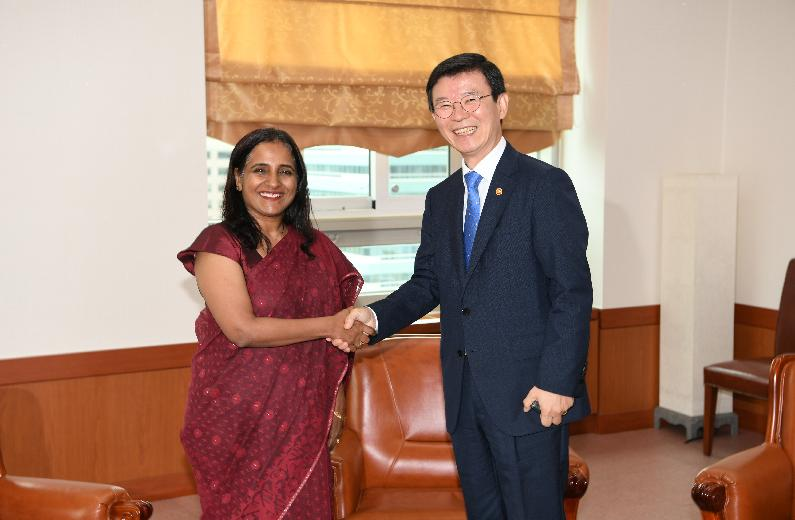 Meeting with Indian Ambassador to Korea